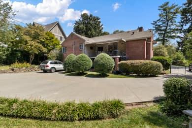 68 Edgelawn Rd, Asheville, NC 28804, USA Photo 3