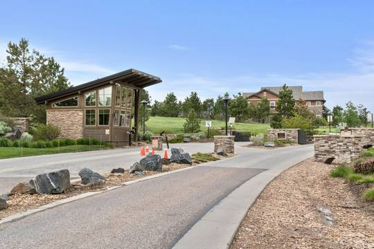 10614 Star Thistle Ct, Highlands Ranch, CO 80126, US Photo 39