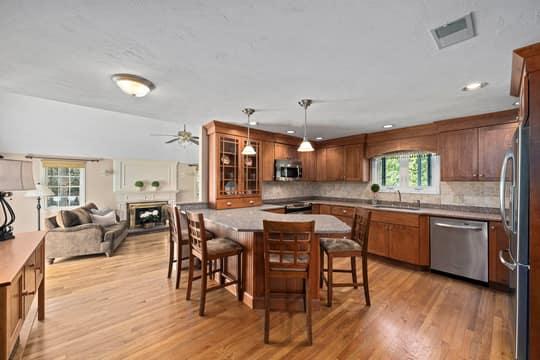 184 Cushing Hill Rd, Hanover, MA 02339, US Photo 2