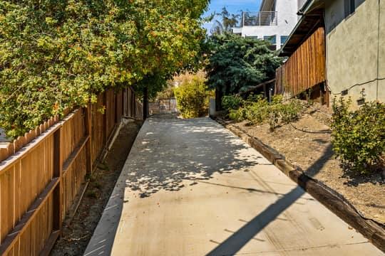 5115 Campo Rd, Woodland Hills, CA 91364, USA Photo 62