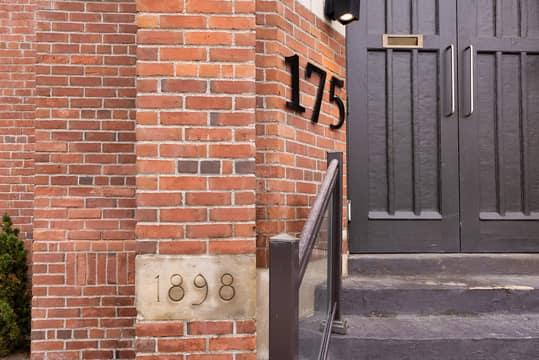 175 Jones Ave 6, Toronto, ON M4M 3A2, CA Photo 2