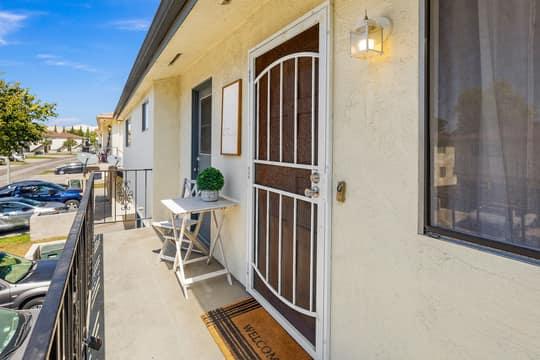 1267 Chalmette Ave, Ventura, CA 93003, USA Photo 2