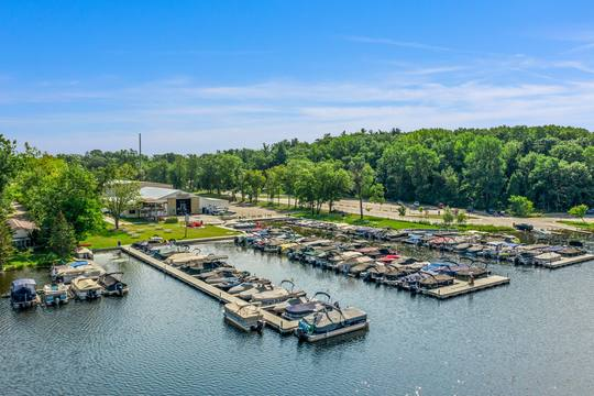 1046 Forest Bay Dr, Waterford Twp, MI 48328, USA Photo 12