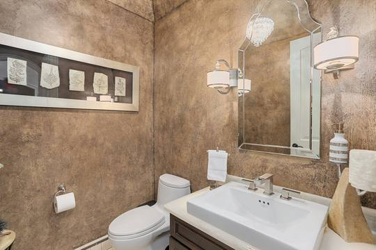 1993 Long Pointe Dr, Bloomfield Twp, MI 48302, US Photo 32