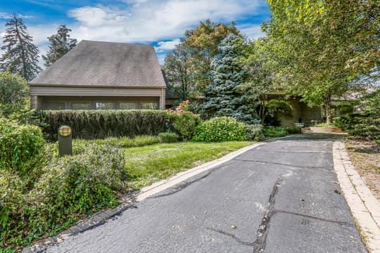 3830 Glen Falls Dr, Bloomfield Twp, MI 48302, USA Photo 2