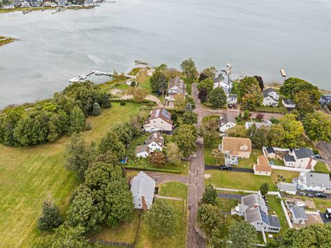 40 Howe St, Quincy, MA 02169, USA Photo 5