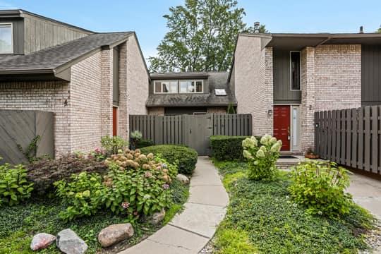 41350 Woodward Ave, Bloomfield Hills, MI 48304, USA Photo 3