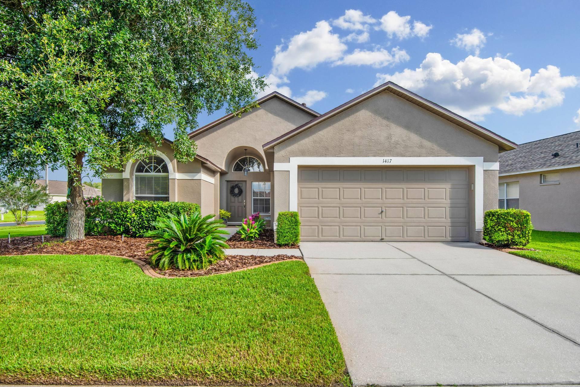 1417 Appleton Pl, Zephyrhills, FL 33543, USA