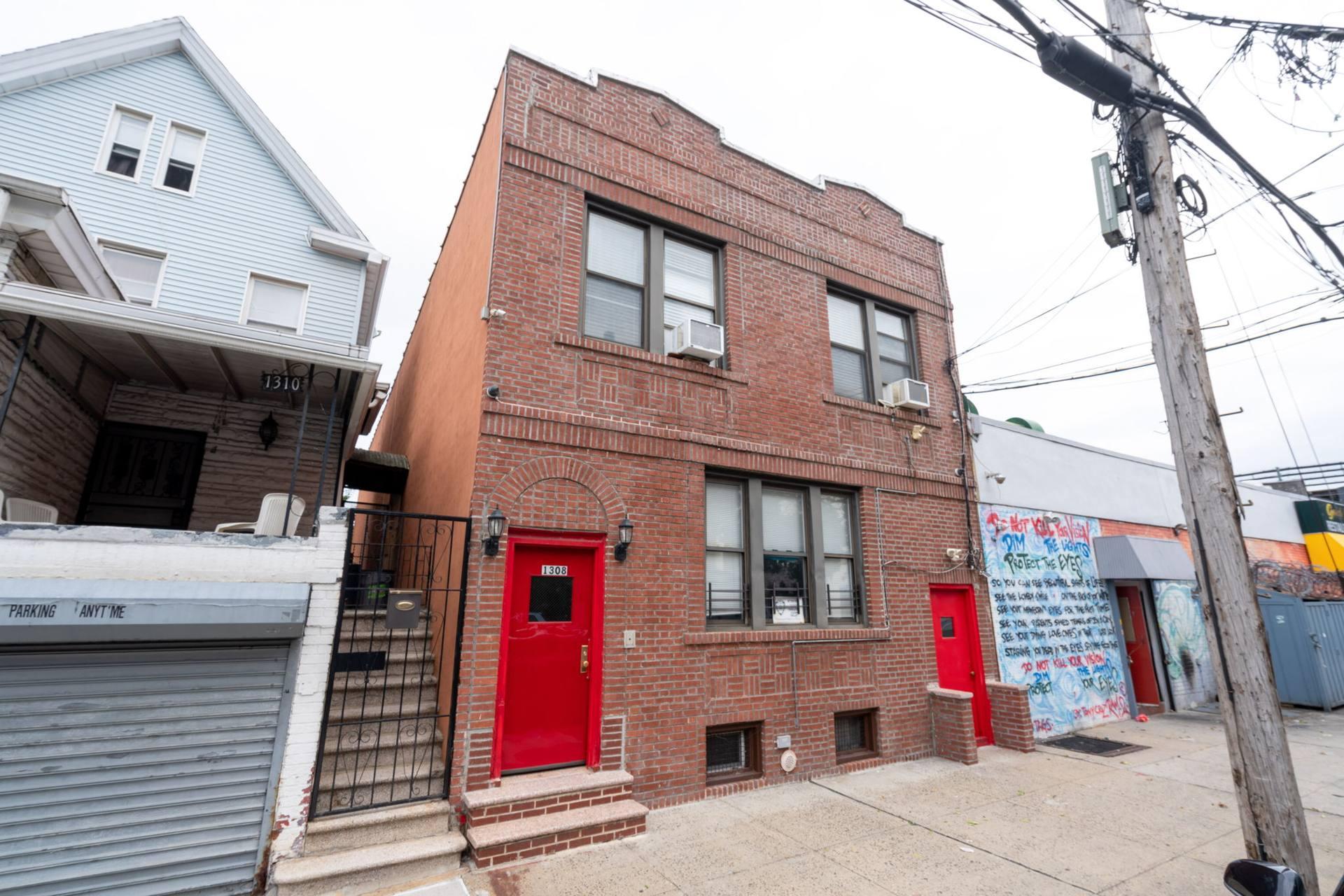 1308 Thieriot Ave, Bronx, NY 10472, USA