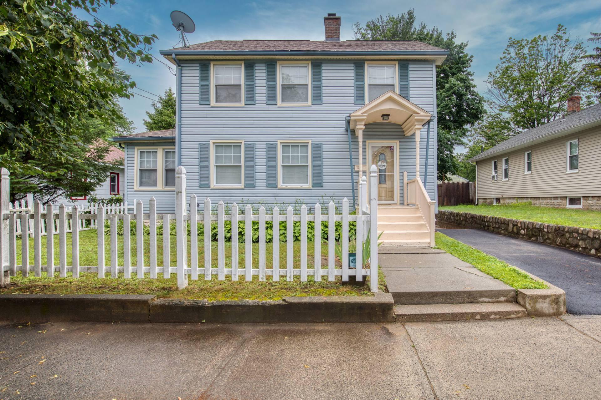 216 Jasper St, Springfield, MA 01109, USA