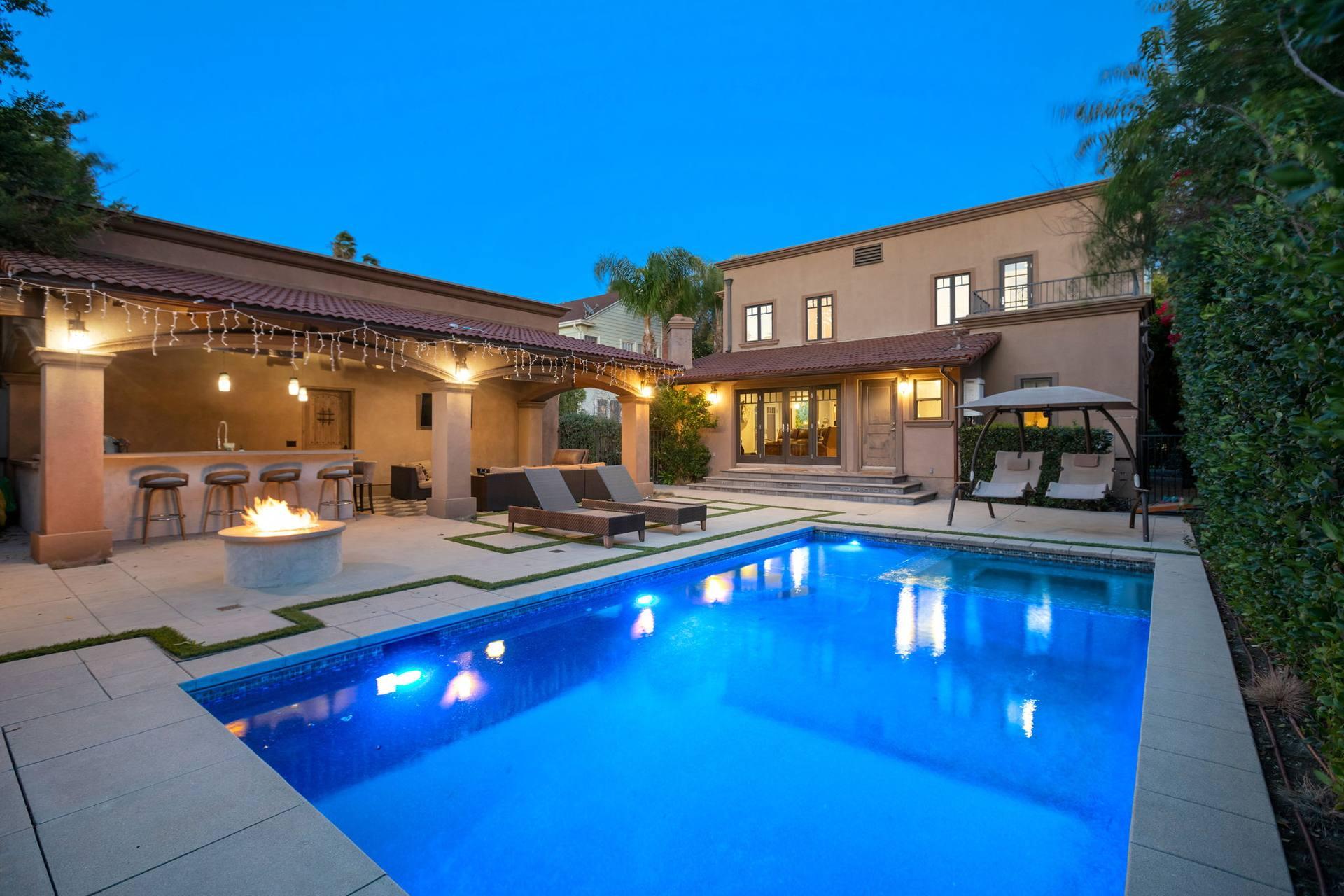 1933 N Hobart Blvd, Los Angeles, CA 90027, US