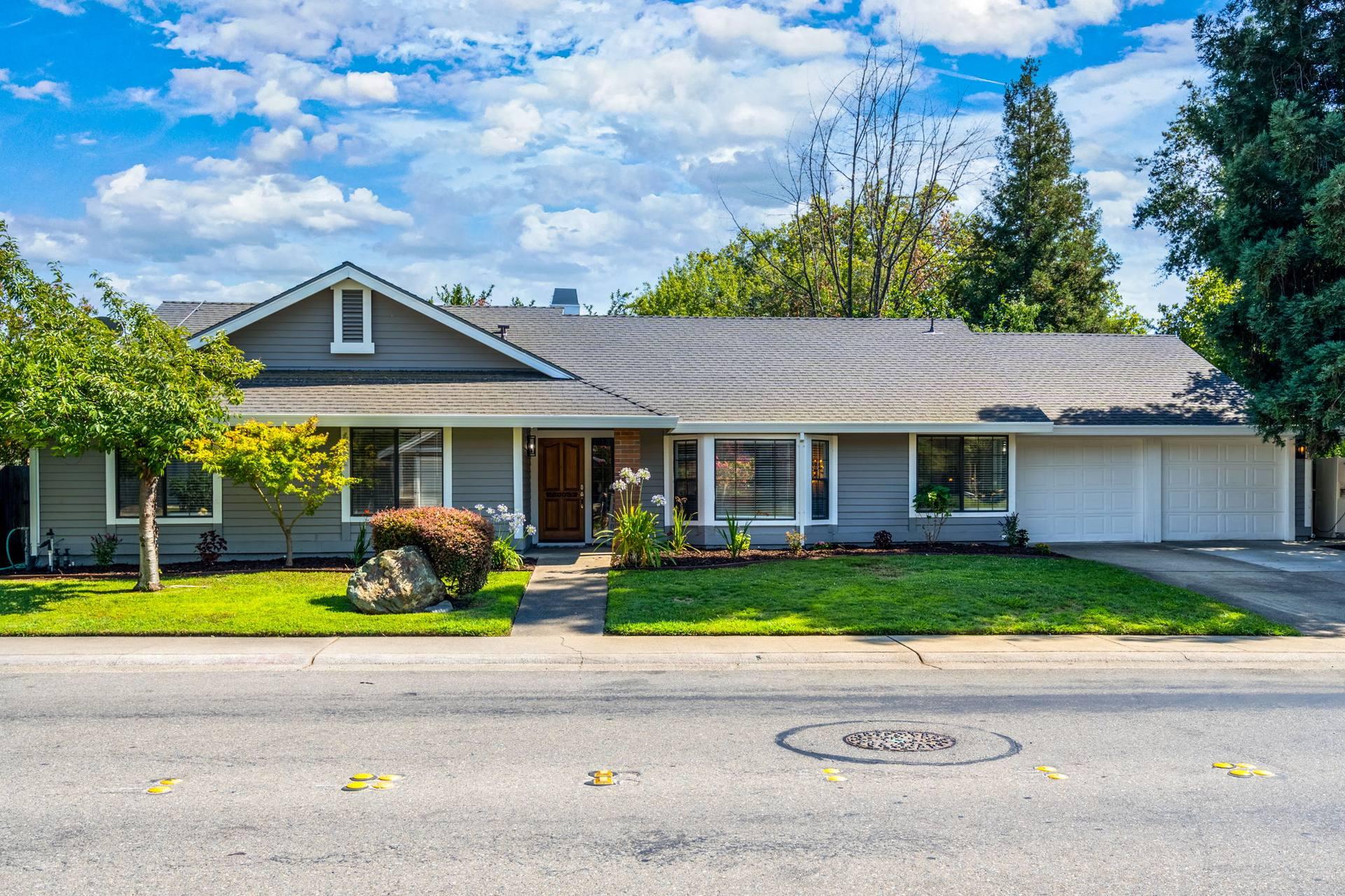 1085 Sandringham Way, Roseville, CA 95661, USA