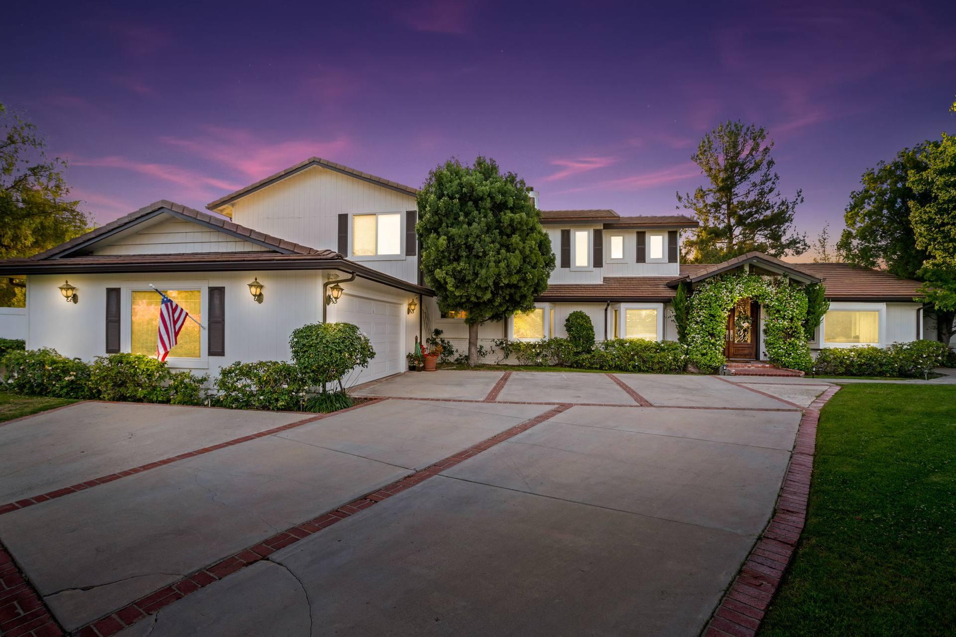 5845 Hilltop Rd, Hidden Hills, CA 91302, US