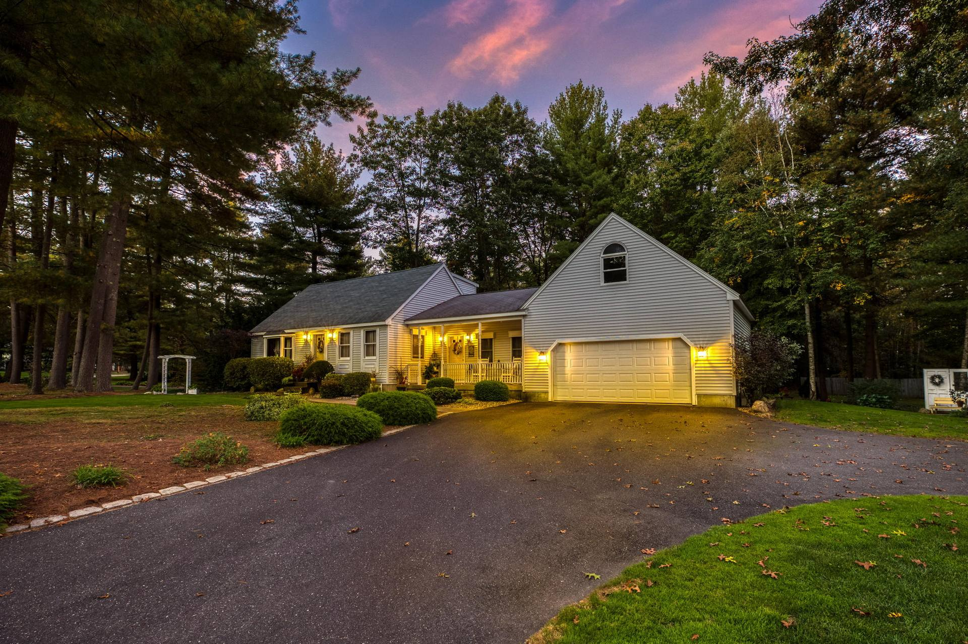 21 Woodsong Rd, Westfield, MA 01085, USA