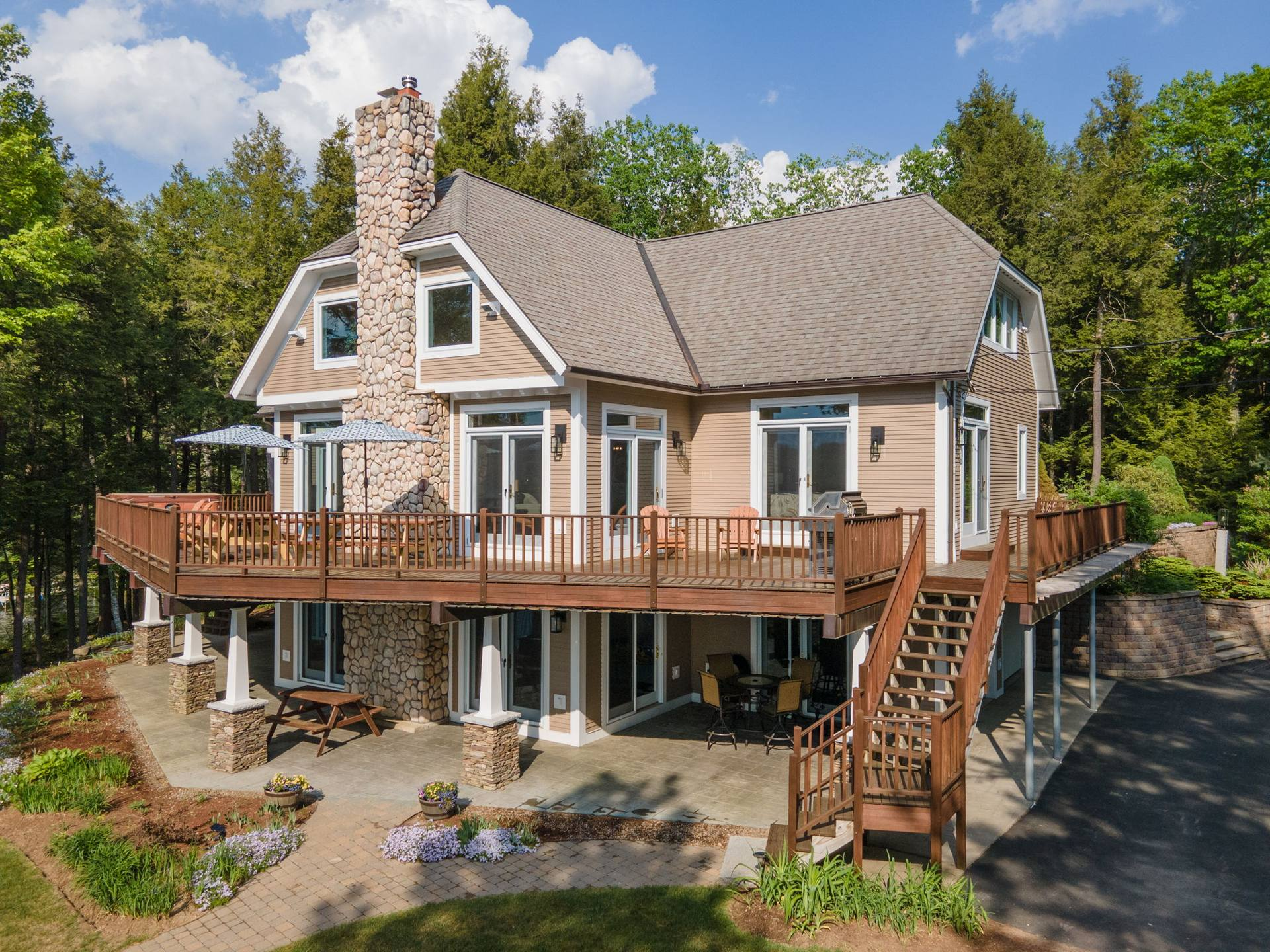 46 Dennis Ave, Laconia, NH 03246, US