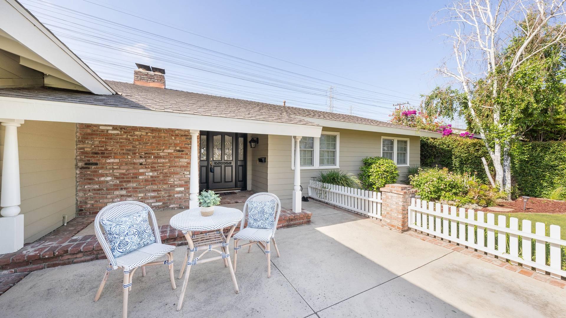 1126 E Chestnut Ave, Orange, CA 92867, US
