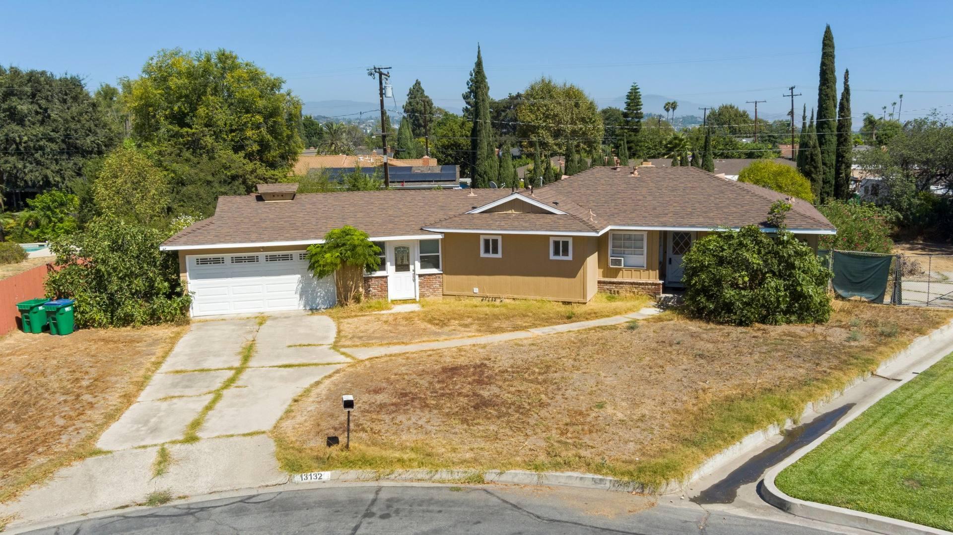 13132 Fairmont Way, Santa Ana, CA 92705, USA