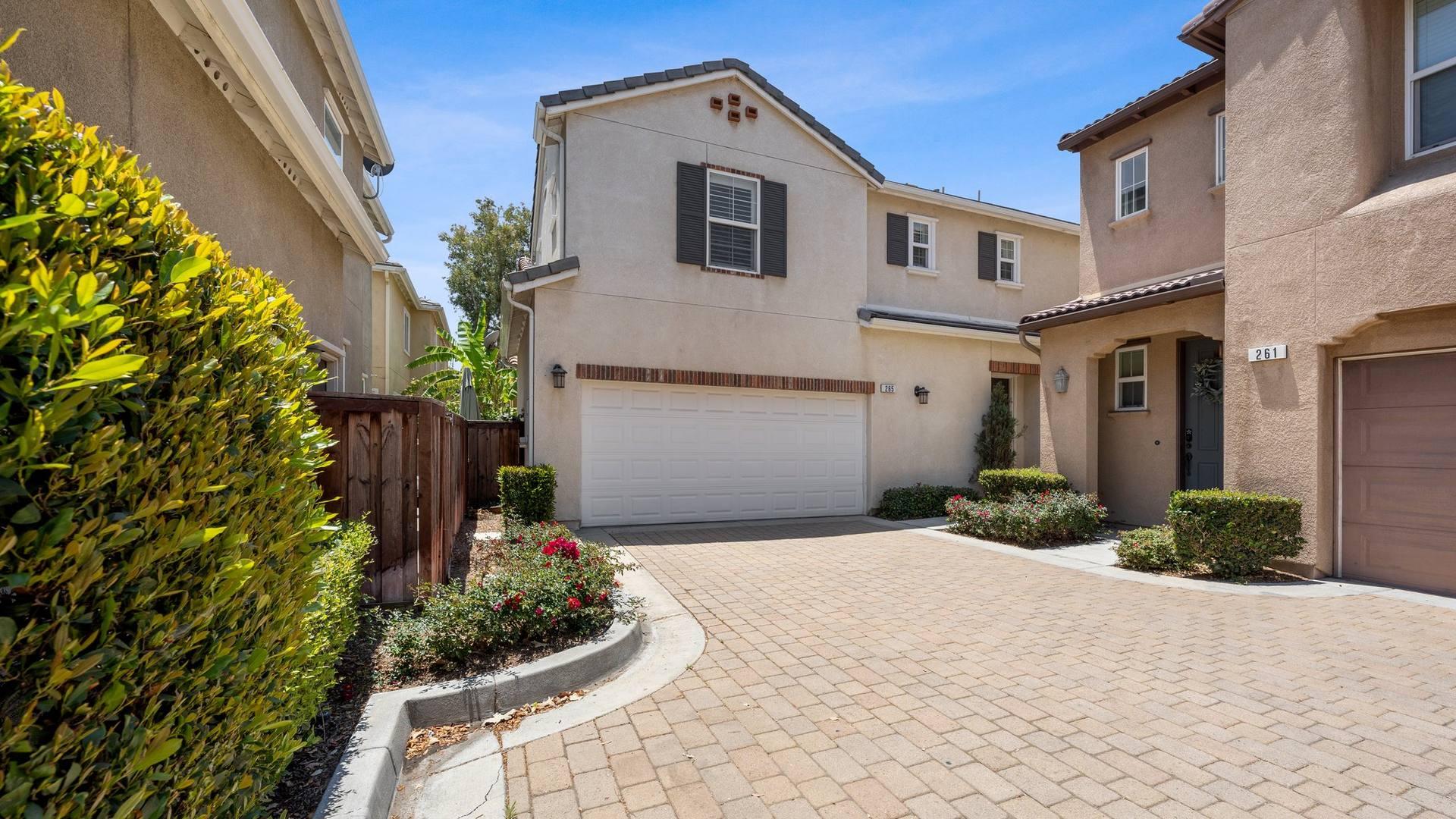265 Sparkleberry Ave, Orange, CA 92865, US
