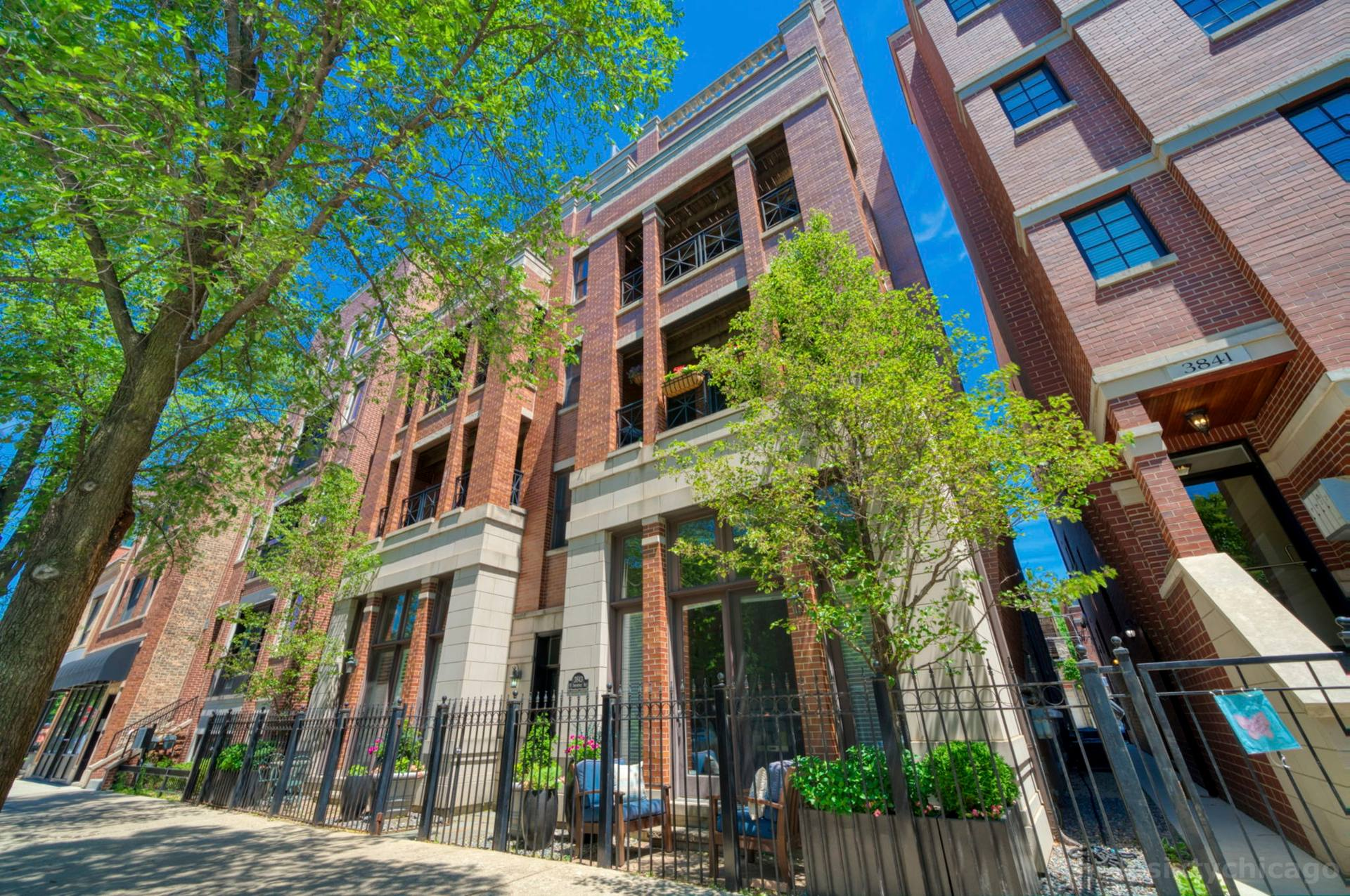 3843 N Southport Ave 1S, Chicago, IL 60613, US