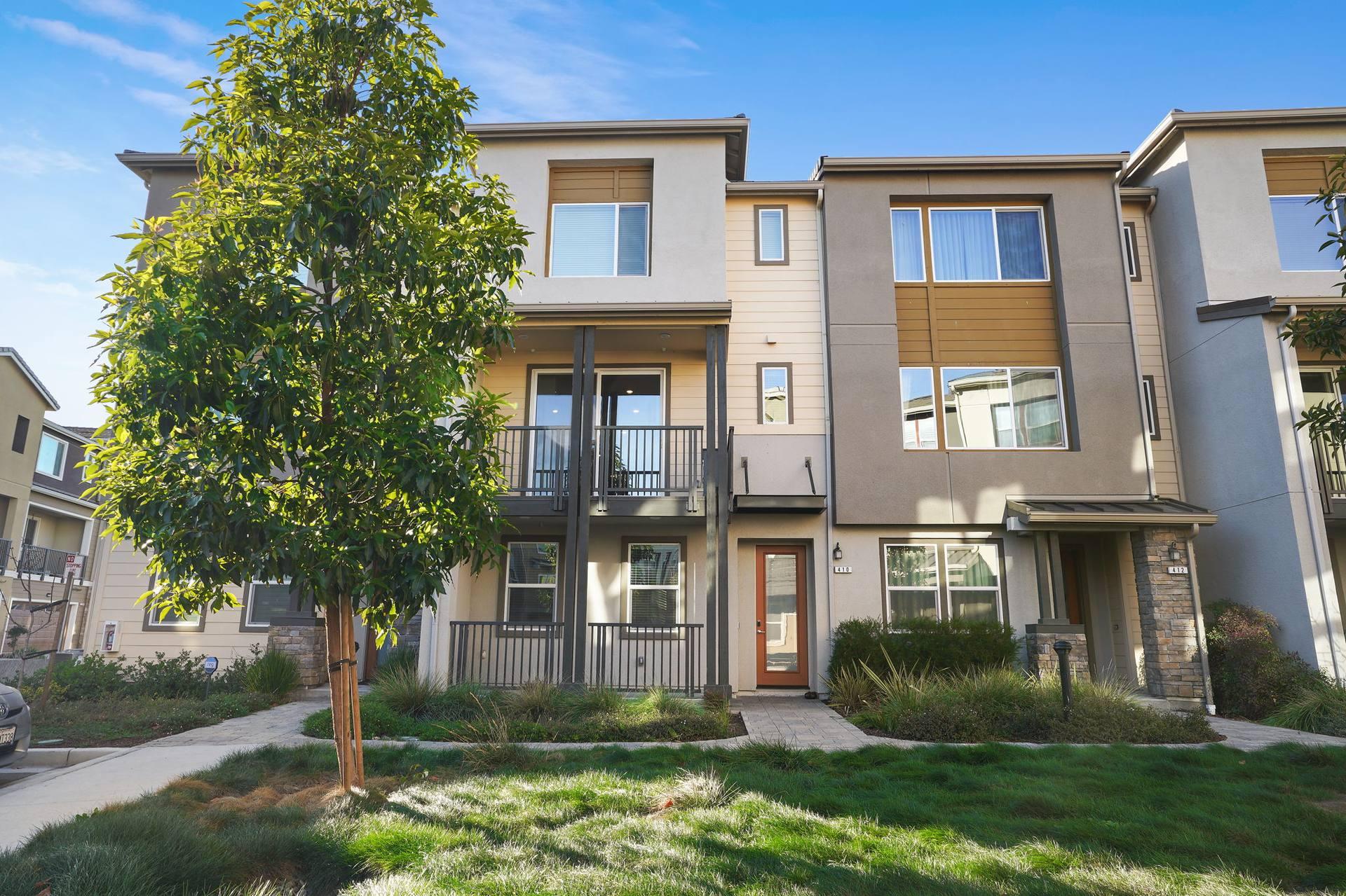 410 Desert Holly St, Milpitas, CA 95035, US