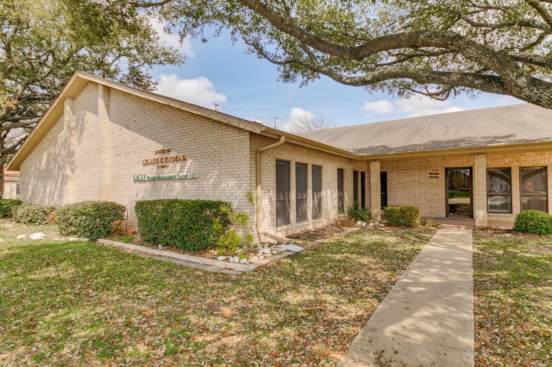 700 N. Main Street, Taylor, TX 76574, US