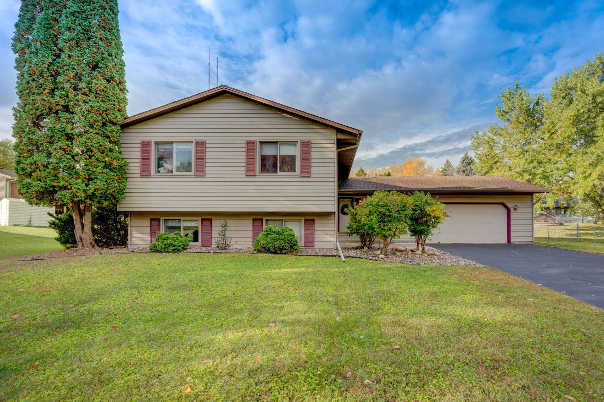 863 Westview Dr, Shoreview, MN 55126, US