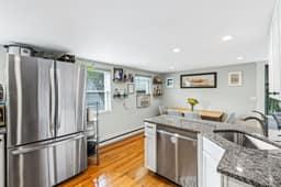 167 Savin Hill Ave, Boston, MA 02125, USA Photo 9