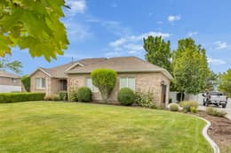 2768 Country Classic Dr, Bluffdale, UT 84065, US Photo 9
