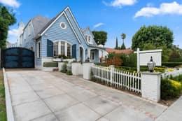 217 N Windsor Blvd, Los Angeles, CA 90004, USA Photo 2
