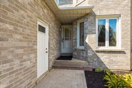120 Large Crescent, Ajax, ON L1T 2S7, Canada Photo 2