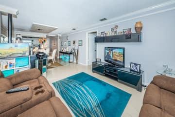 Living Room3-4