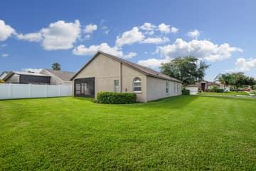 1417 Appleton Pl, Zephyrhills, FL 33543, USA Photo 25
