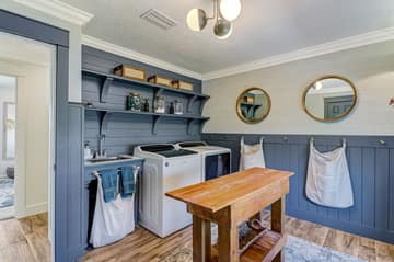 Laundry Room (or 5th bedroom)