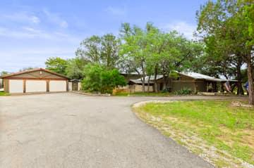 351 Windmill Oaks Dr, Wimberley, TX 78676, USA Photo 51
