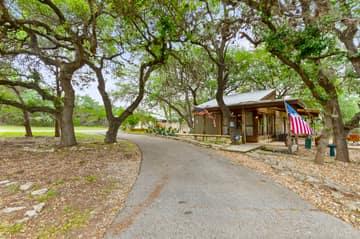 351 Windmill Oaks Dr, Wimberley, TX 78676, USA Photo 3