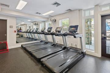 4129 S Four Mile Run Dr, Arlington, VA 22204, USA Photo 37