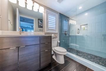 Guest Quarters15 Bathroom