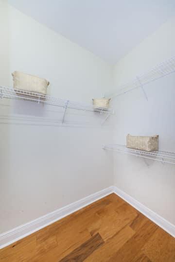 Master Bedroom Walk-in Closet1