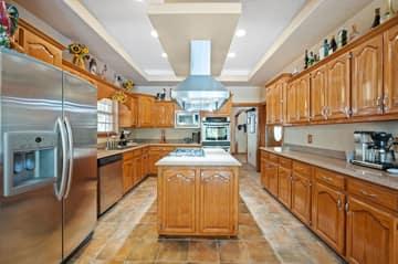 788 Killarney Rd, Floresville, TX 78114, USA Photo 10