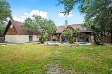 788 Killarney Rd, Floresville, TX 78114, USA Photo 32