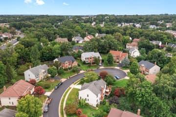 14221 Pony Hill Ct, Centreville, VA 20121, USA Photo 43
