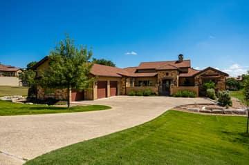 3909 Oak Park Dr, Kerrville, TX 78028, USA Photo 4