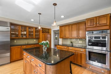 75 Thornberry Rd, Winchester, MA 01890, US Photo 8