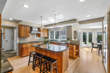 75 Thornberry Rd, Winchester, MA 01890, US Photo 6