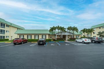33 Colonial Club Dr 100, Boynton Beach, FL 33435, US Photo 37