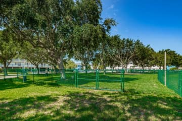 25-Rosselli Park Dog Park