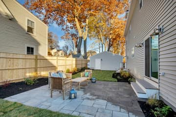 4 Flatley Ave, Manchester-by-the-Sea, MA 01944, US Photo 5