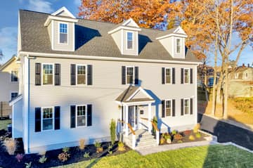 4 Flatley Ave, Manchester-by-the-Sea, MA 01944, US Photo 3