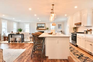 4 Flatley Ave, Manchester-by-the-Sea, MA 01944, US Photo 106