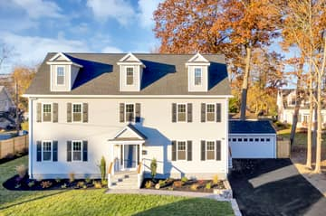 4 Flatley Ave, Manchester-by-the-Sea, MA 01944, US Photo 2